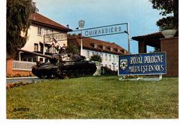Kaiserslautern - 5ème Régiment De Cuirassiers - L 'étendard à L ' Entrée Du Quartier Marceau - Kasernen