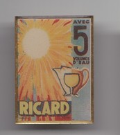 Pin's  Ricard Soleil Réf 3141 - Beverages