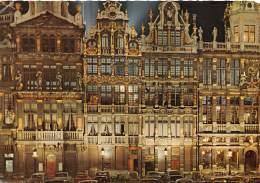 CPM - BRUXELLES - Grand'Place - Les Maisons Des Corporations, La Nuit - Brussel Bij Nacht