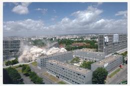 CPM - LA COURNEUVE (Seine St Denis) - Démolition Des Barres Ravel Et Presov - 23 Juin 2004 - La Courneuve