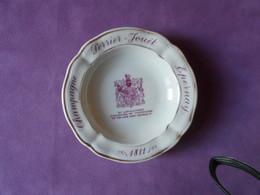 Collection BISTROT - Cendrier Publicitaire CHAMPAGNE PERRIER-JOUET (porcelaine De LIMOGES) - Ashtrays