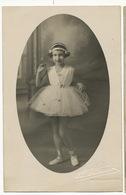 Très Jolie Petite Fille En Tutu Danse Classique . Carte Photo Par Arvet Semur En Auxoix Cote D' Or - Danse