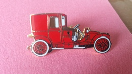 Pin's       RENAULT  11 CV  1912 - Renault