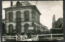 CPSM Format CPA - COURTOMER - Le Monument Et La Mairie, Animé - Courtomer