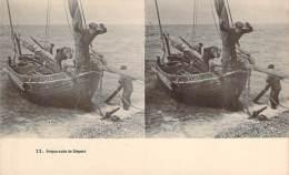 Stéréo - Préparatifs De Départ (Vues Stéréoscopique Julien Damoy) (barque De Pêche, Marins Pêcheurs) - Stereoscope Cards