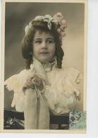 ENFANTS - LITTLE GIRL - MAEDCHEN - Jolie Carte Fantaisie Portrait Fillette - Portraits