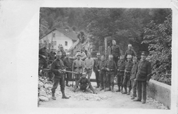 Militaria - Groupe De Soldats - Suisse - Schweiz - Soldaten - Au Repos - Autres