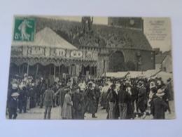 CARNAC : Place De L'hôtel De Ville ,le Porche De L'église ,le Jour De La Fête De Saint- Corneille, N°15 - Carnac