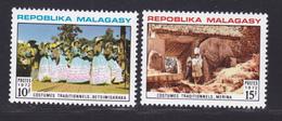 MADAGASCAR N°   513 & 514 ** MNH Neufs Sans Charnière, TB (7403) Costumes - Madagascar (1960-...)