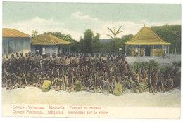 Cpa Afrique - Congo Portugais - Maquella - Personnel Sur La Route - Congo - Kinshasa (ex Zaire)