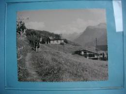 PHOTOGRAPHIE GRAND FORMAT - AUSSERBERG  - Sentier Rampe Sud  -  1967 -  12  X 15  Cms - SUISSE - Orte