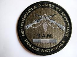 INSIGNE TISSUS PATCH POLICE NATIONALE R.A.M RESPONSABLE ARMES ET MUNITIONS EN B.V ETAT EXCELLENT SUR VELCROS - Police & Gendarmerie