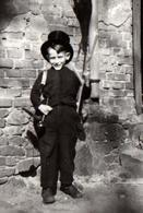 Photo Originale Déguisement & Enfant Ramoneur Vers 1940/50 - Personnes Anonymes