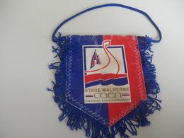Fanion Football - SM CAEN - Habillement, Souvenirs & Autres