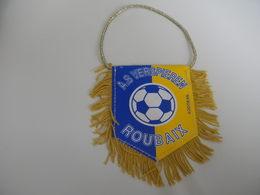 Fanion Football - AS VERSPIEREN ROUBAIX - Habillement, Souvenirs & Autres