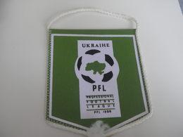Fanion Football - UKRAINE - PFL - Habillement, Souvenirs & Autres