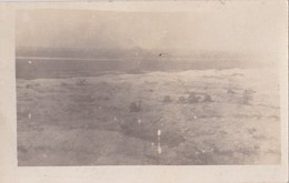 CPA PHOTO  GUERRE WW1  CHAMPS De BATAILLE SOLDATS Dans Les TRANCHEES - Guerra 1914-18