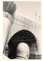 CPM - Collection Les Photographes De Paris - Photo John Vink - Le Pont Neuf Emballé Par Christo 1985 - Photographe - Fotografía