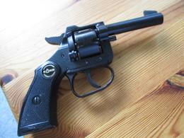 Pistolet D'alarme Rohm Rg6 - Armes Neutralisées