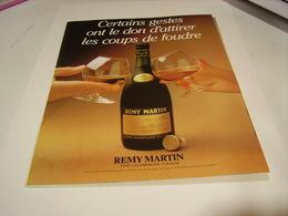 ANCIENNE PUBLICITE COUP DE FOUDRE COGNAC REMY MARTIN 1983 - Alcohols