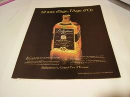 ANCIENNE PUBLICITE 12 ANS D AGE SCOTCH WHISKY BALLANTINES 1983 - Alcohols