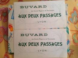 2 Buvards Aux Deux Passages Lyon - Textile & Vestimentaire