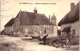 39 - La FERTE -- Maison Commuine Et Ecole - France