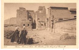 POSTAL    THEBES (TEBAS)  -ALTO EGIPTO  - MEDINET HABU -PABELLON DEL TEMPLO DE RAMSES III - Egipto