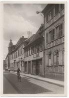 CPA ALLEMAGNE LANDAU Rue Martin Luther - Martin Luther Strasse 1945 (avec Personne En Vélo) - Landau
