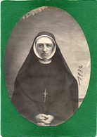 RELIGIEUSE  Photo Sépia Souple Année 1932   Décollée Proprement  D'un Album Du TARN  14cmX10cm - Photographs