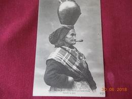 CPA - Morlaix - La Vieille Porteuse D'eau Fumant Sa Pipe - Morlaix