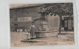 Saint Paul Trois Châteaux Fontaine Triton Remise Jeune Femme Et Sa Fille - Frankreich