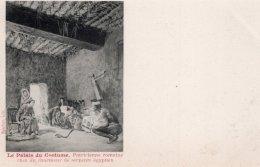 CPA   LE PALAIS DU COSTUME--- PATRICIENNE ROMAINE CHEZ UN CHARMEUR DE SERPENTS EGYPTIEN---AVANT 1905 - Moda