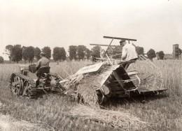 Allemagne Travaux Des Champs Tracteur A Chenilles Moissonneuse Krupp Ancienne Photo De Presse 1930's - Professions