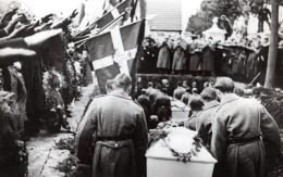 Danemark Stege Funerailles De Marins Allemands Ancienne Photo De Presse Octobre 1939 - Places