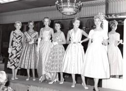 Belgique Bruxelles Defile De Mode Ancienne Photo R. Canaguier 1950's - Photographs