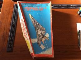 Rare Grumman Jet Fighter Lyra  En Tôle (très Belle état De  Fonctionnement ) Usa Aire Force - Toy Memorabilia