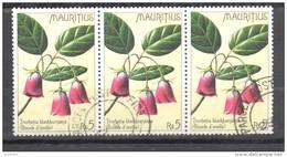 Timbre Oblitéré - Mauritius / Ile Maurice -  Bloc De 3 Timbres Boucle D'oreille (trochetia Blackburniana) - Maurice (1968-...)