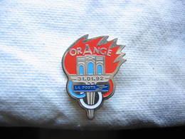 Pin's De La Poste De La Ville D'Orange - Mail Services