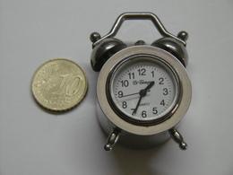 Petit Réveil LE TEMPS - Alarm Clocks