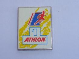 Pin's SPORT, ATHLON - Badges