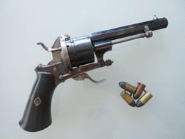 TRES BEAU REVOLVER 9MM A BROCHE EN ACIER BLEUI - Decorative Weapons