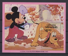 2213  Walt Disney -  Grenada GRENADINES ( A Scene From PLUTO'S DREAM HOUSE ( 1940 ) - Disney