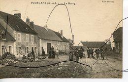 CPA. D71. POURLANS. Le Bourg.  Edit Mairet. - France