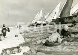 60s REAL PHOTO FOTO POSTCARD PESCADORES PRAIA QUARTEIRA ALGARVE PORTUGAL CARTE POSTALE - Faro