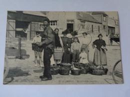 LE CROTOY : Marchands De Poissons ,n°27 - Le Crotoy