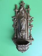 163 - Bénitier En Régule Doré - Notre Dame De Lourdes - Sculptures