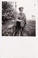 Foto Deutscher Soldat Mit Ordensband - 2. WK - 5,5*5,5cm (35545) - Krieg, Militär