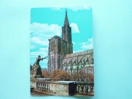 V07-ALSACE-67-bas  Rhin--strasbourg- Cathedrale-vue Du Chateau Des Rohan-- - Strasbourg