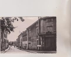 (R7)RHONE , SAINT GENIS LAVAL , Rue Des Halles - France